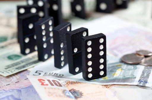 Breaking: Sterling falls 0.8% following interest rate hike